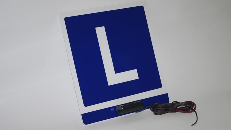 Tablica L do oznaczenia samochodu ciężarowego lub przyczepy